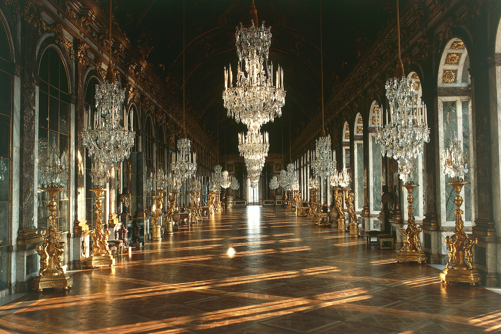 Reel to real film series battle at versailles for Salon versailles 2016