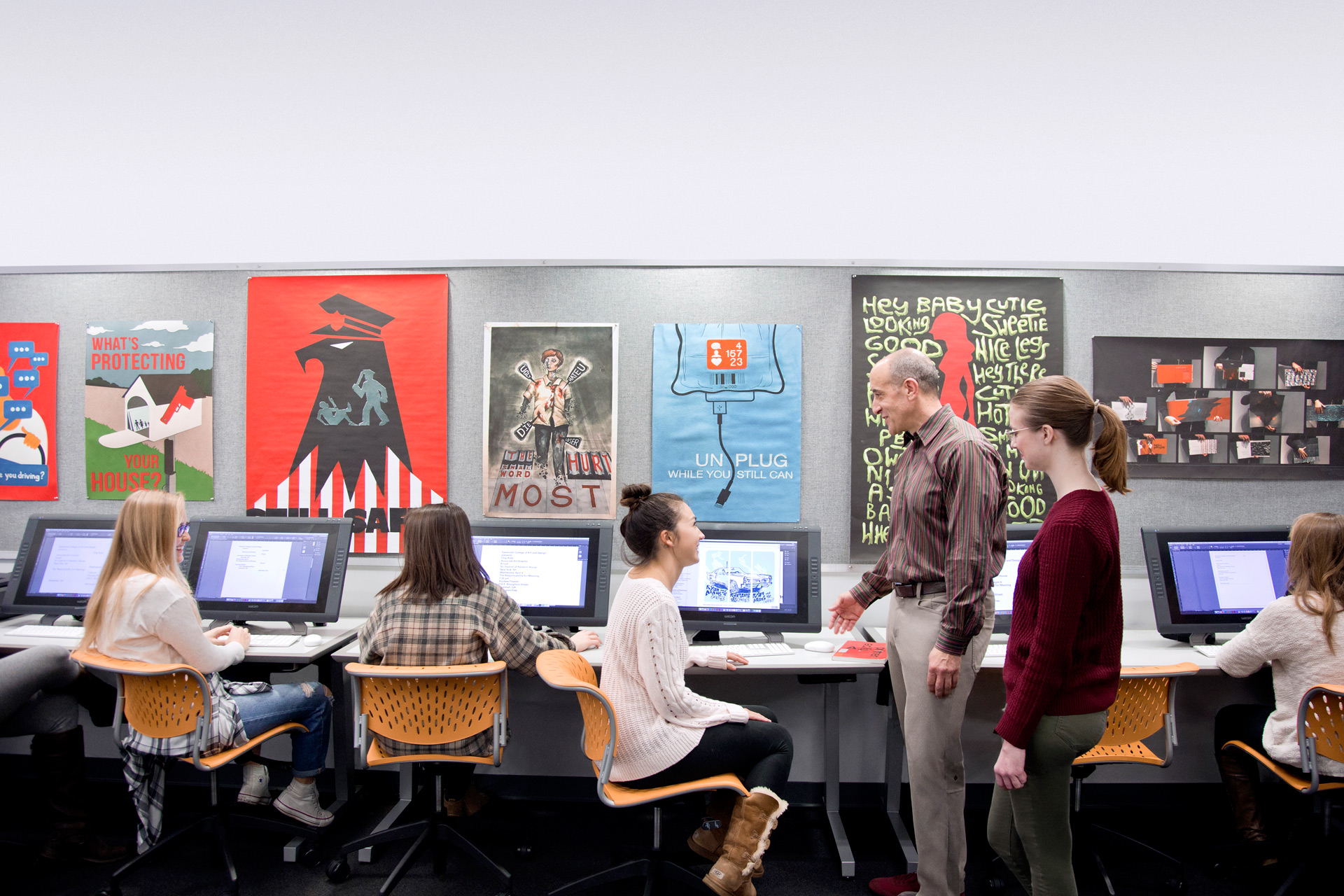 Find Out Why Artists Are Drawn To SCAD ELearning At Graphic Design Virtual Information Session