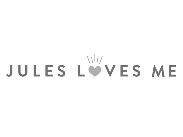 Jules Loves Me logo