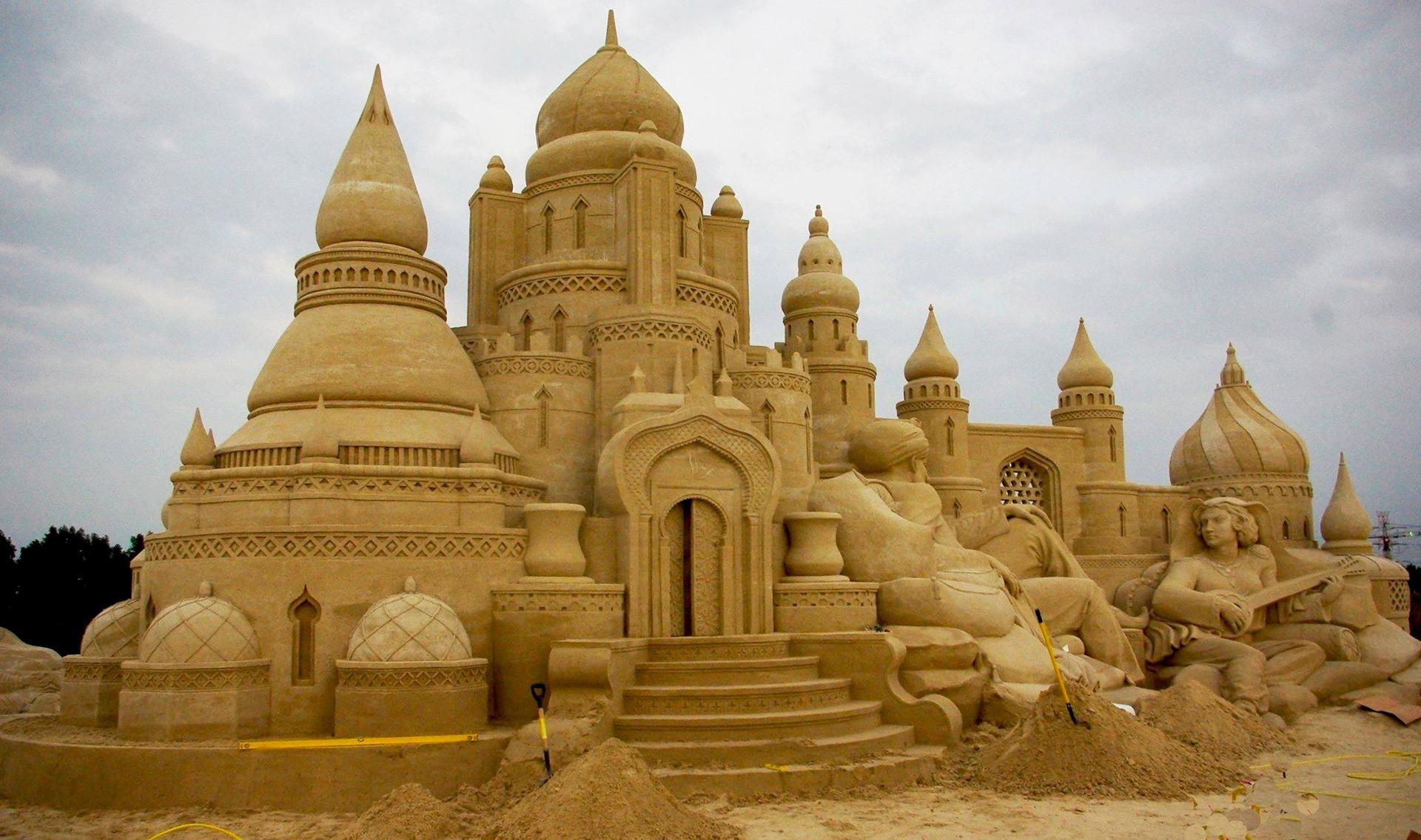 Sand-Sculpting-Company-SCAD_2.jpg