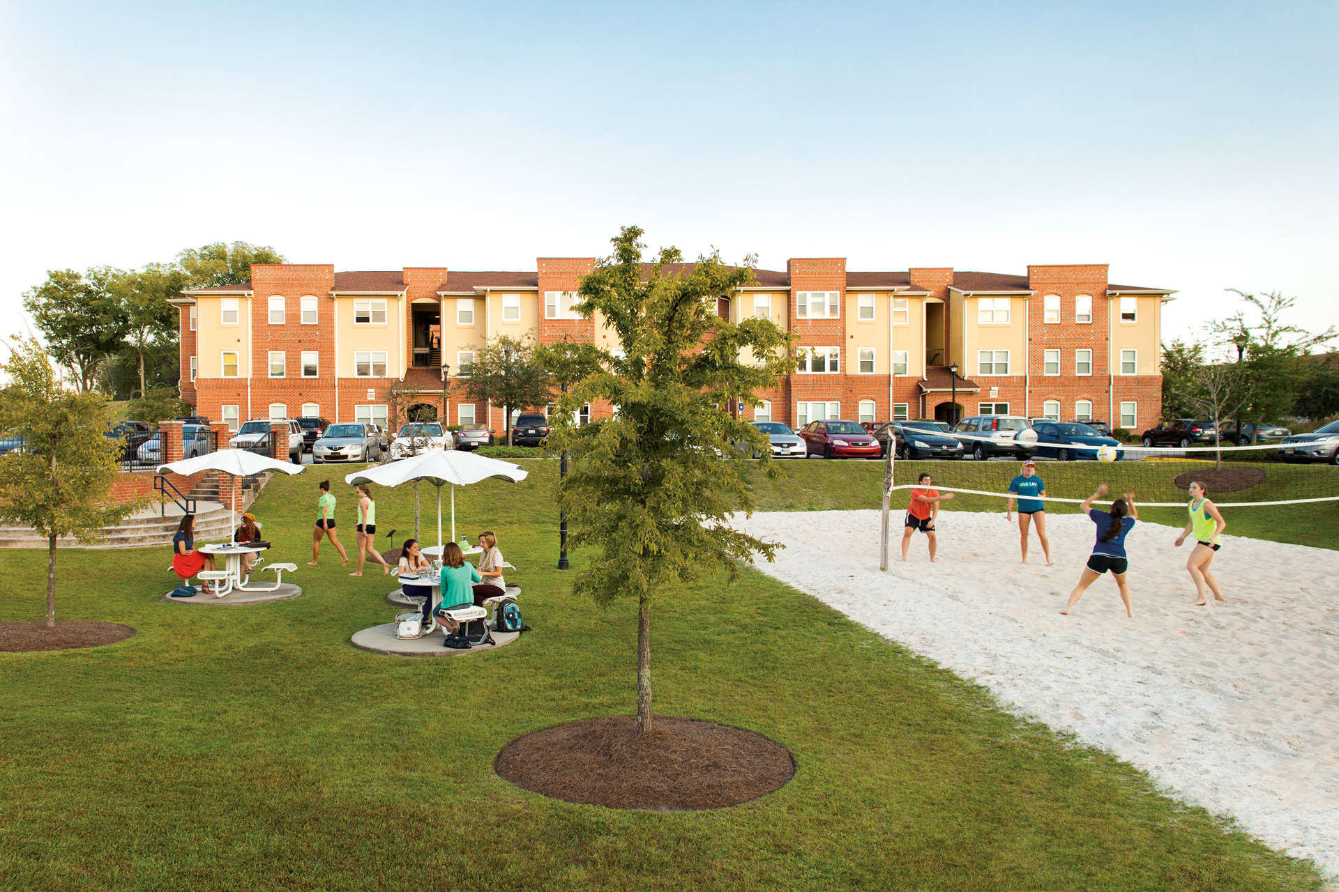 Savannah residence halls close for graduating students for Savannah apartments near scad