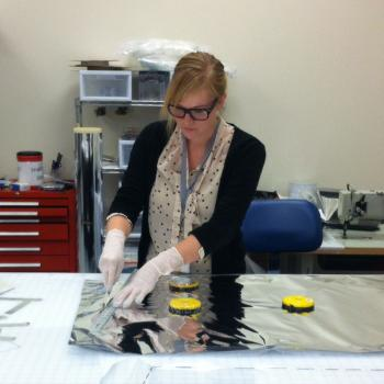 Lynsey Gwilliam (2010 B.F.A. in fibers) designs blankets that journey to outer space.