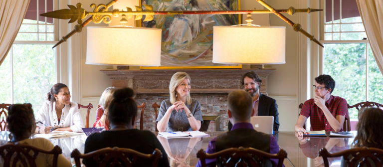 Arianna Huffington teaching writing students in Ivy Hall