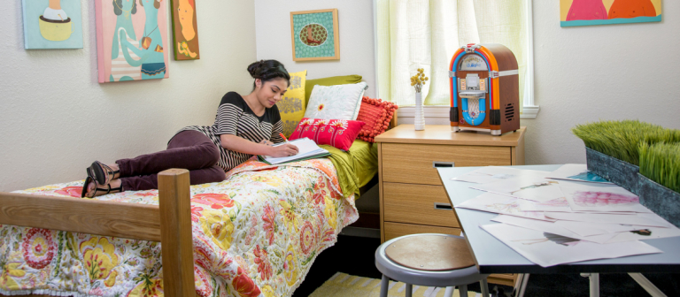 Boundary Village, womens bedroom