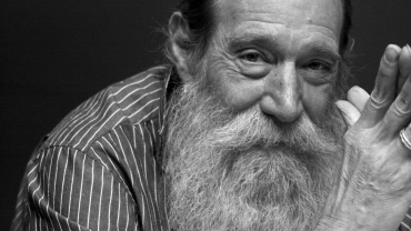 Black and white portrait of scad define art honoree Lawrence Weiner