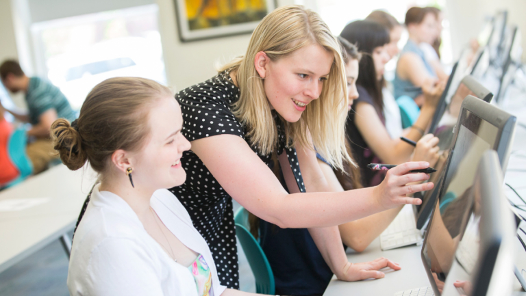 Professer Melissa Curtin advising a SCAD student