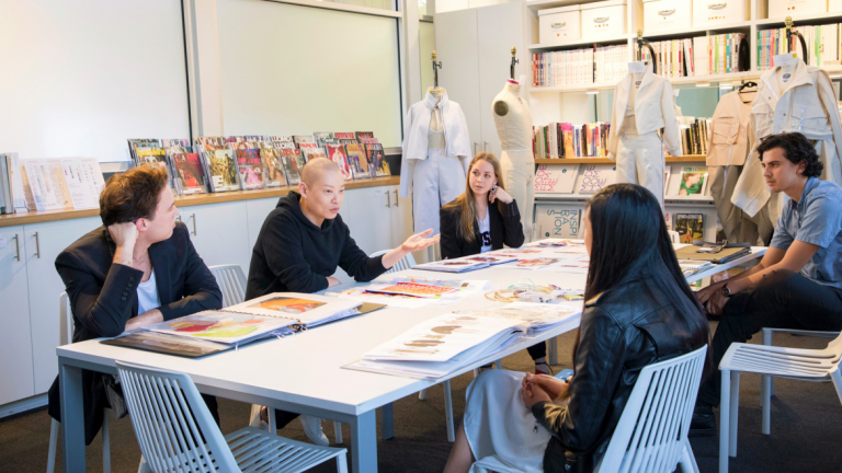 Jason Wu with students as part of the 2018 SCADstyle