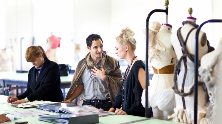 Fashion designer Zac Posen advising student