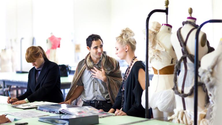 Fashion designer Zac Posen advising student