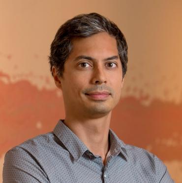 SCAD professor Gregory Araya
